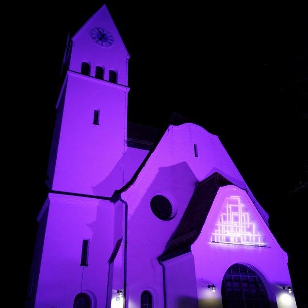 Illuminierte Kirche, © Isabella Krobisch