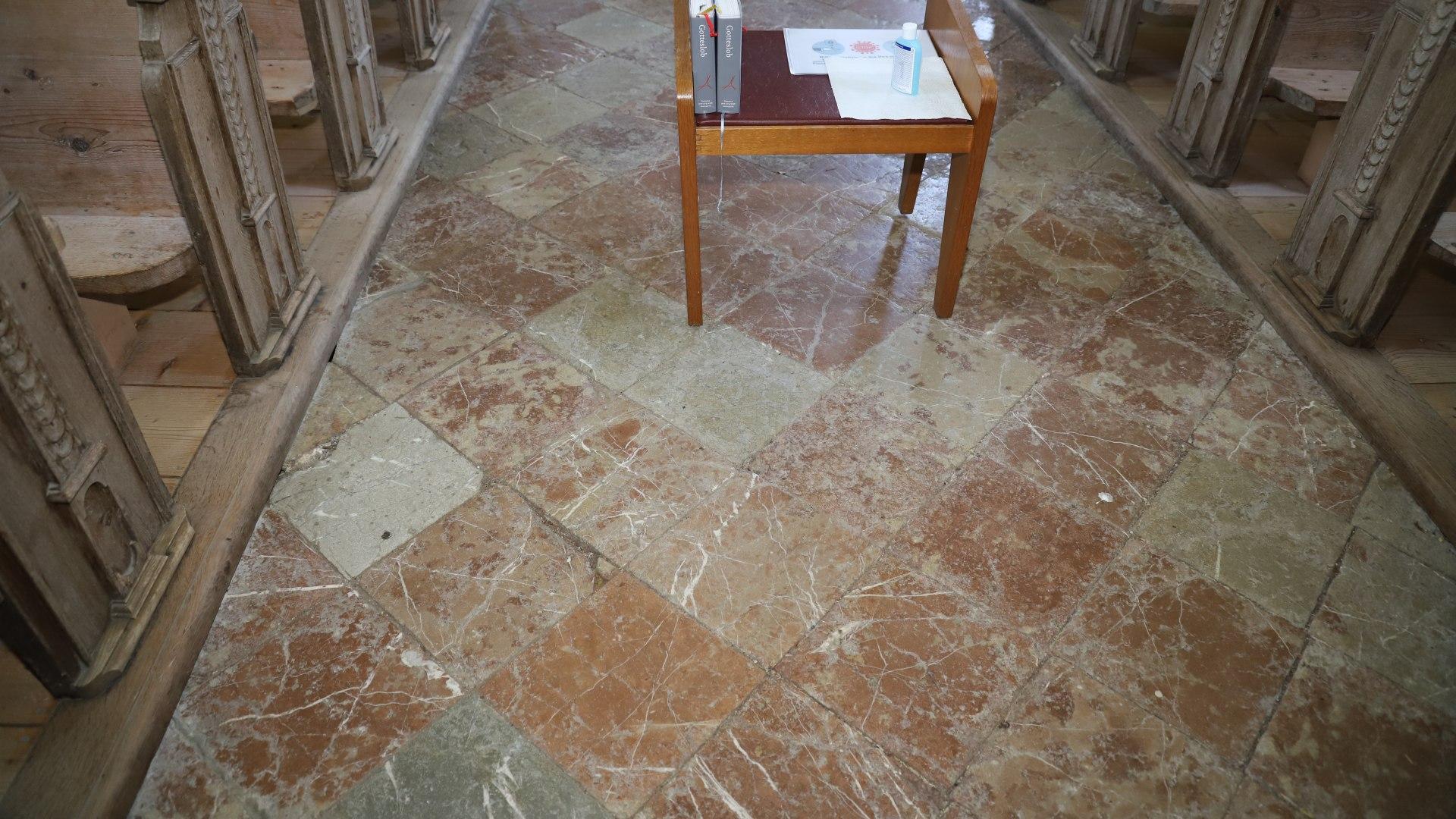 Boden der St. Quirinus Kirche Tegernsee, © Hartmut Wolf