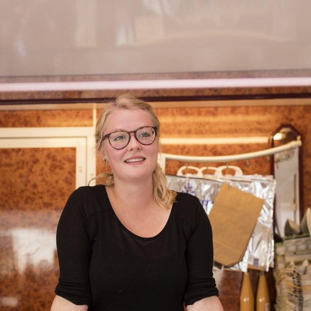 Magdalena Wurm im Verkaufswagen, © privat